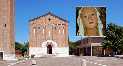 la parrocchia di Ponte di Piave e, nel riquadro, un particolare della statua della Madonna
