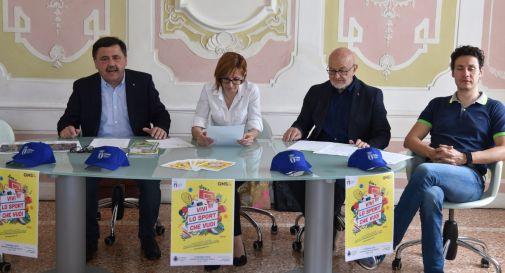 da sinistra: l'assessore allo sport di Ponzano Mario Sanson, il sindaco di Ponzano Monia Bianchin, Luca Zampiero per il Coni Treviso e il testimonial Bernardo Bernardini