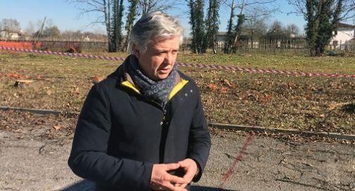 il sindaco Rossetto al cantiere della scuola