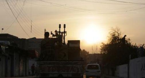 Russia invia 300 militari a confine Turchia