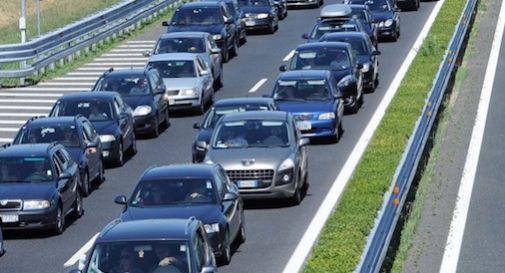 Code chilometriche e traffico in tilt su A27 e Alemagna a Vittorio Veneto: disagi fino a fine luglio