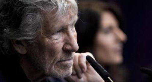 Roger Waters 'salva' due bimbi dall'inferno della Siria