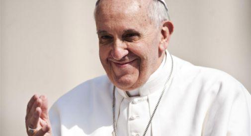 Genitori lavorano la domenica, bimbo scrive al papa. Che telefona